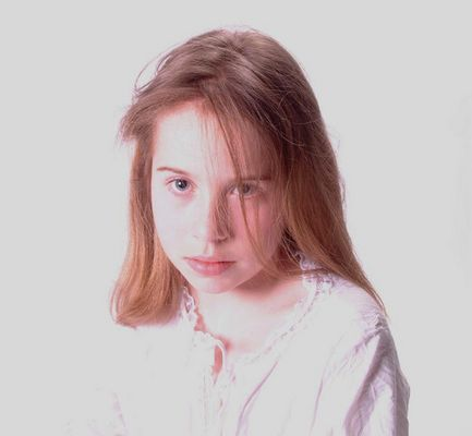 Lieve, portrait of a very young model.