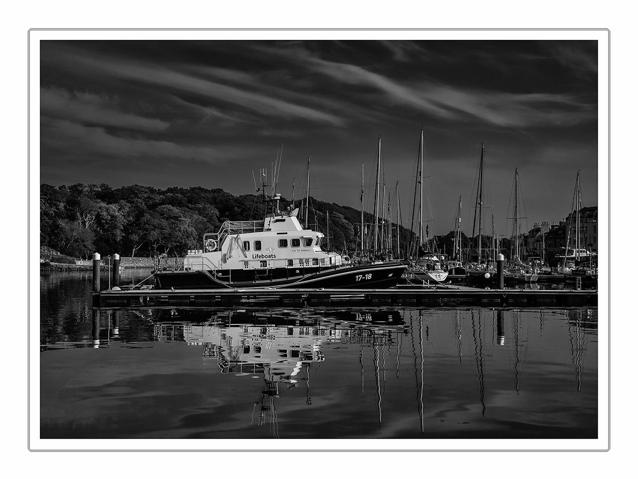 Lifeboat im Hafen von Stornoway