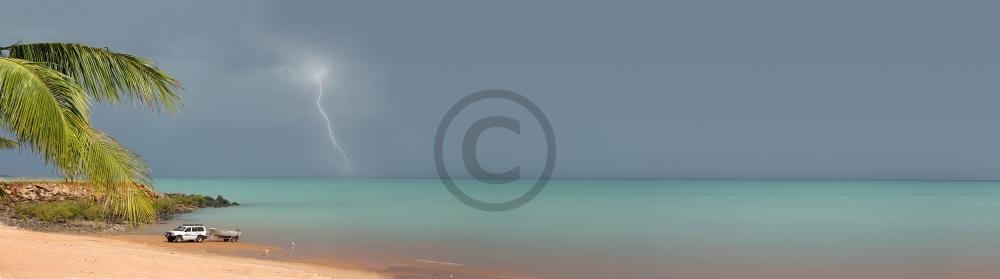 Lightning over Roebuck Bay