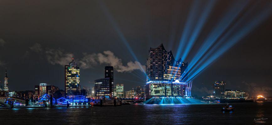 Lightshow an der Elbphilharmonie