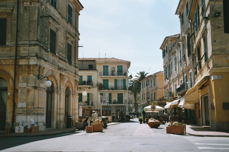 Ligurien im Frühling, Marktplatz