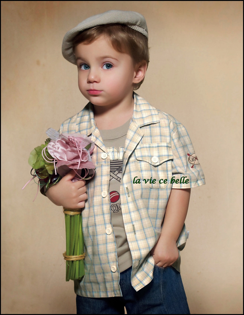 linda criança