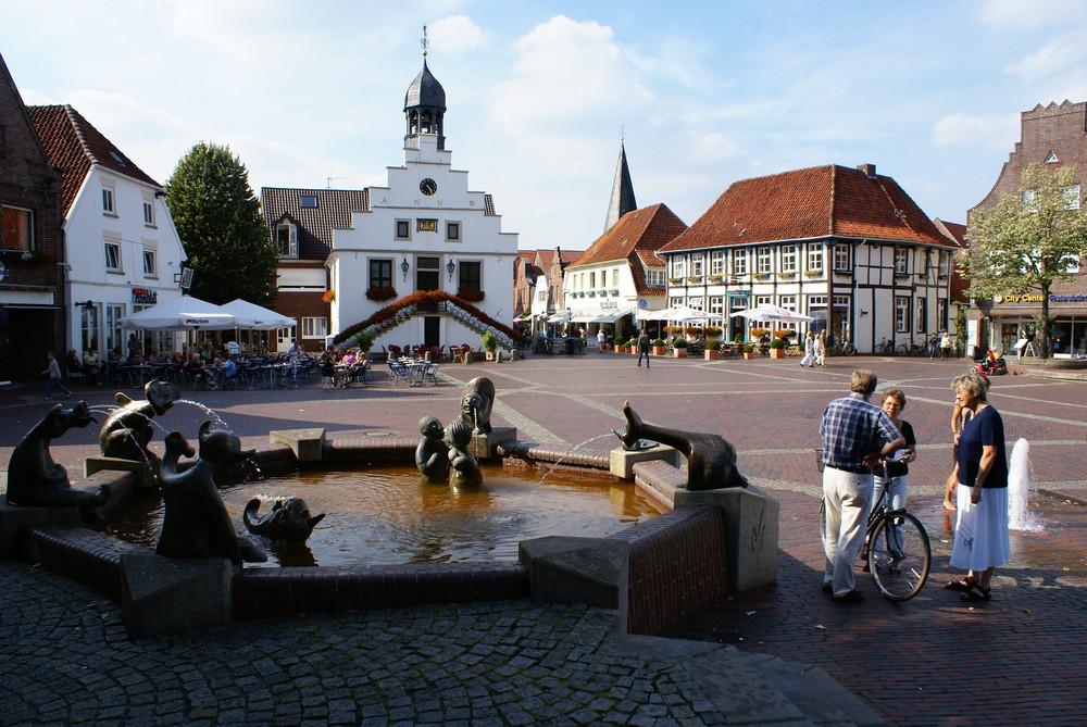 Lingen, Markt mit Rathaus
