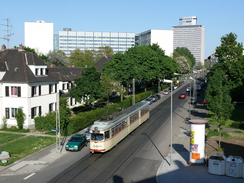 Linie 12 mit VBL 155