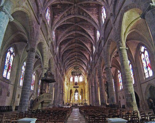 L'intérieur de la Cathédrale Saint Jean Baptiste de Bazas