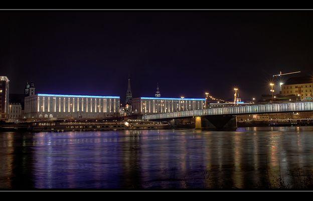 Linz bei Nacht (2)