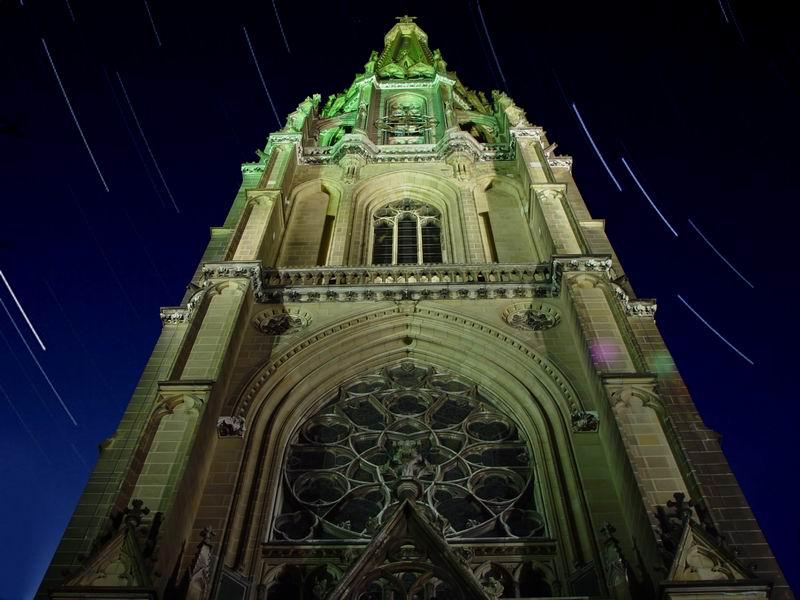 Linzer Dom mit Sternspuren