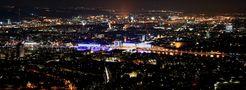 Linz@night Pano2 von Jürgen Petschnik