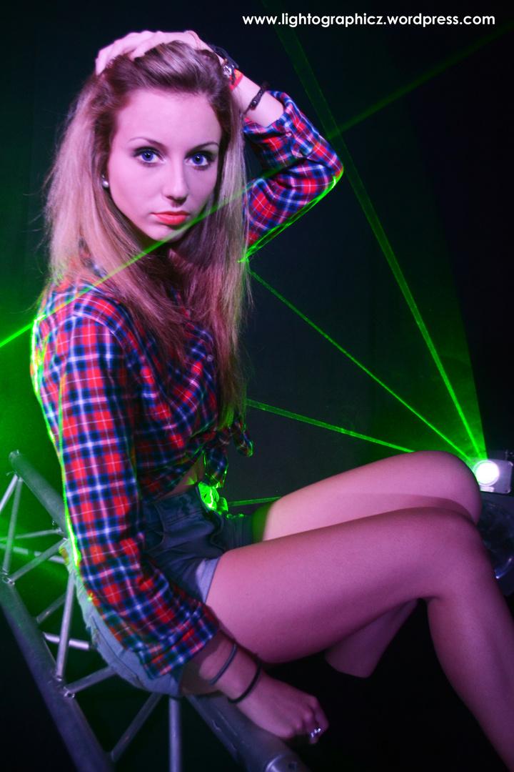 Lisa im Laserschein
