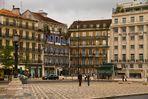 Lisboa. Esquina de la plaza de los Restauradores.