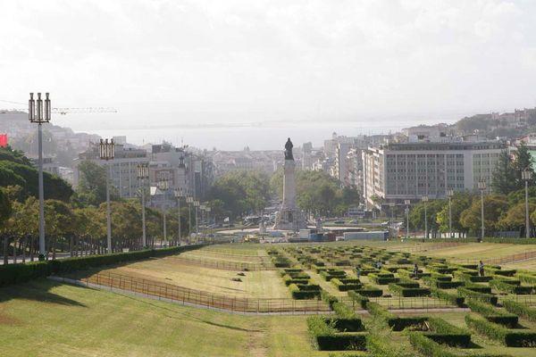 Lissabon Blick zum Meer