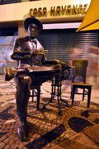 Lissabon . Pessoa-Skulptur