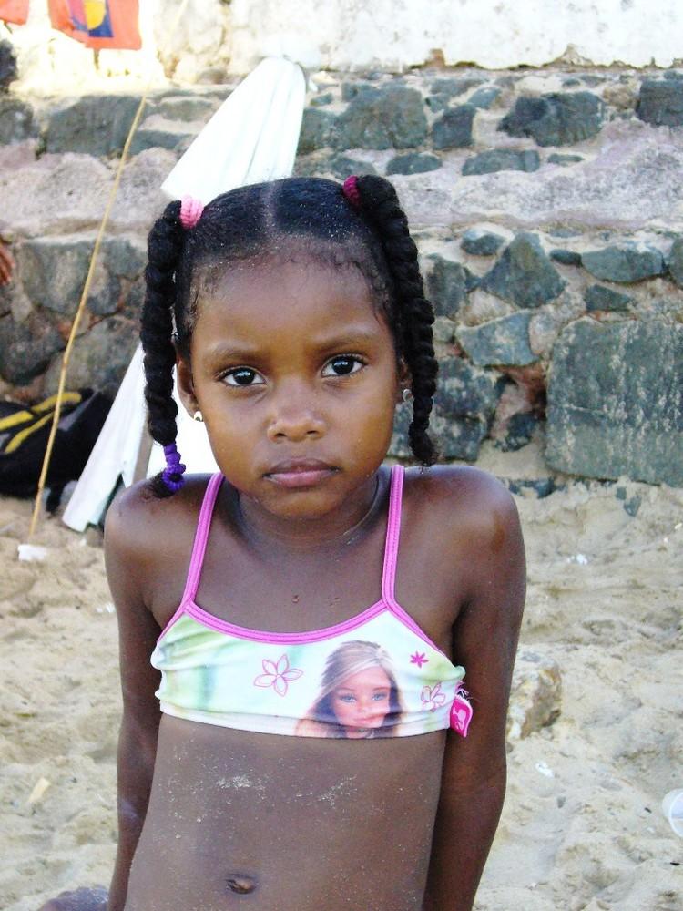 2 south american girls x 1 afro guy 6