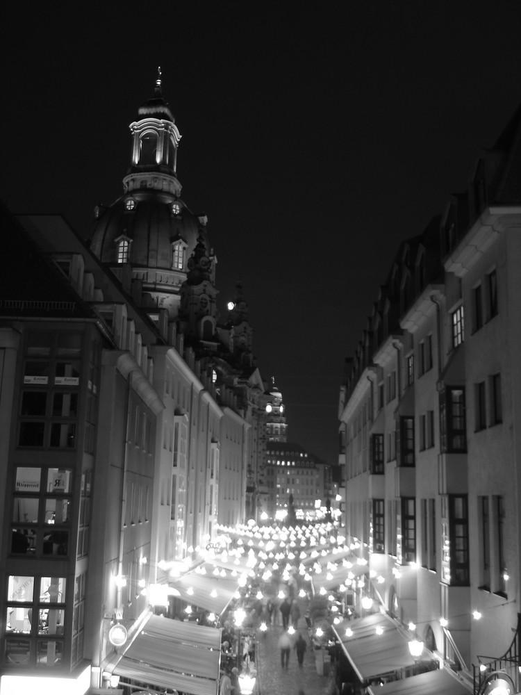 - Little Paris -