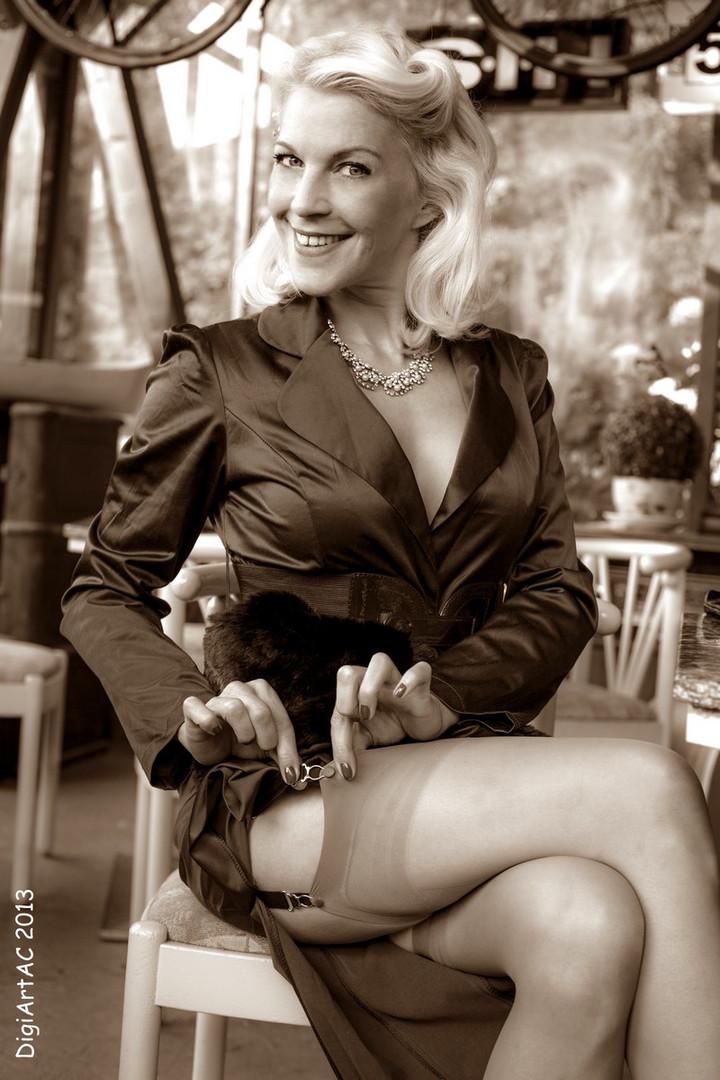 Lizzy Malone