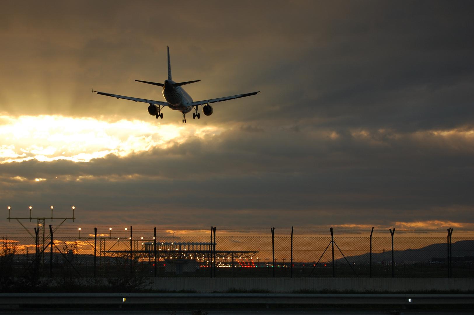 Llegando a casa. ( Aeropuerto del Prat) Barcelona