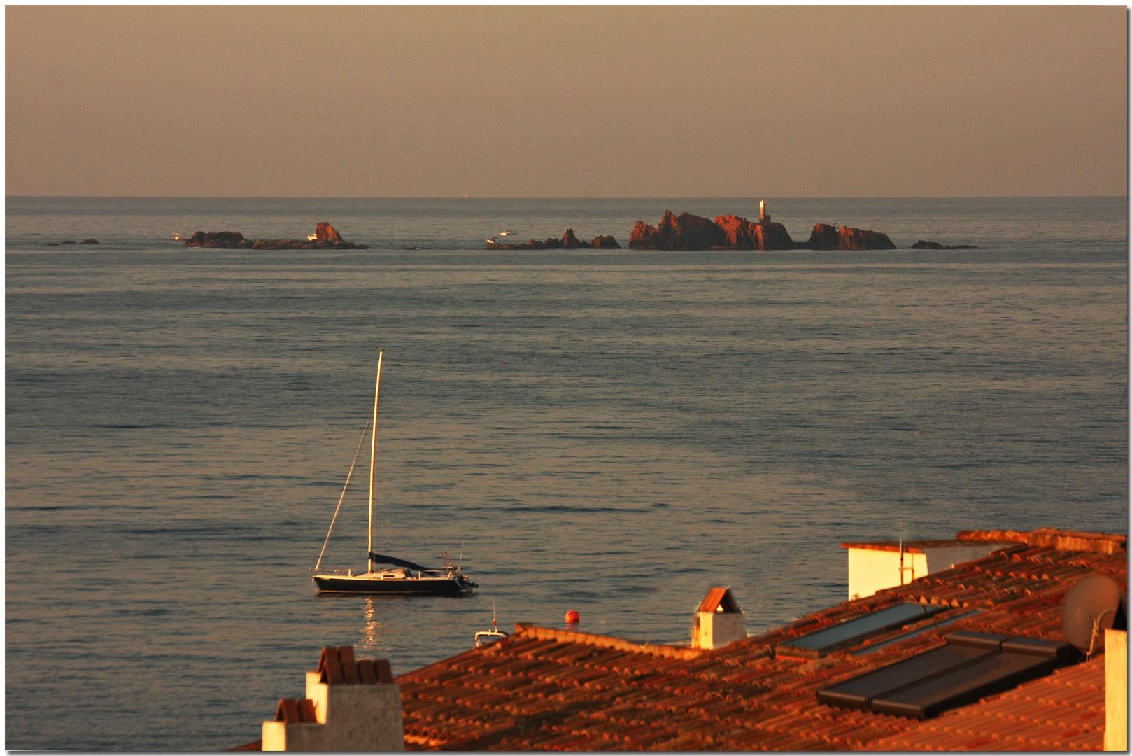 Llum d'alba a les Illes Formigues