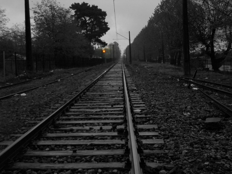 Lluvia sobre la linea ferrea