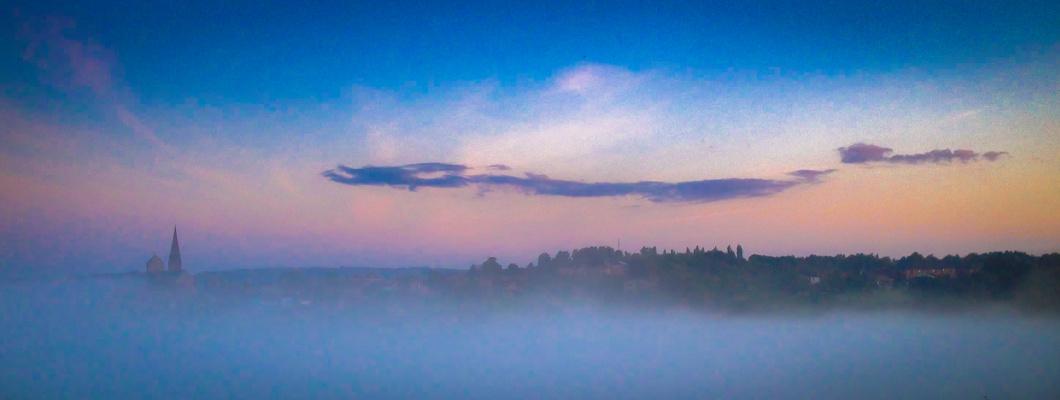 lobbes dans les nuages panoramique
