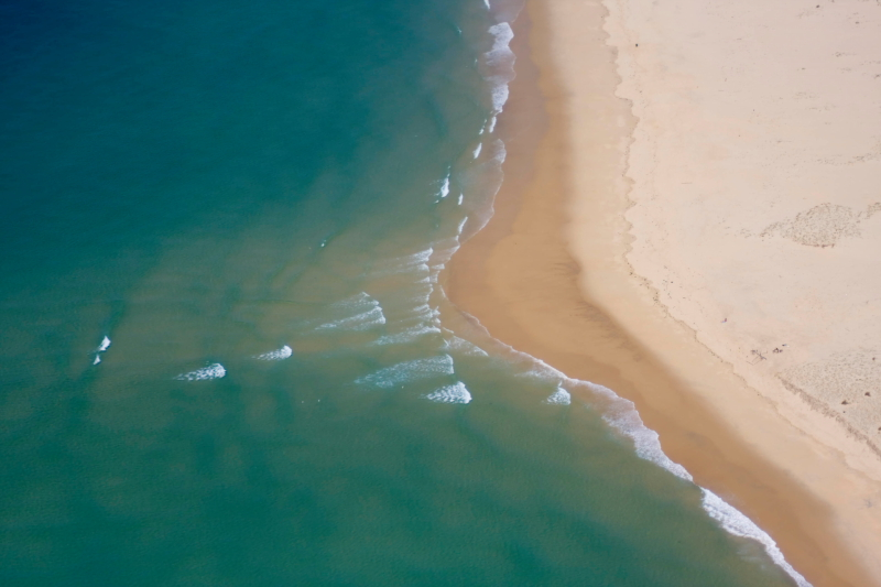 l'ocean gagne sur la terre ou la terre gagne sur l'ocean?