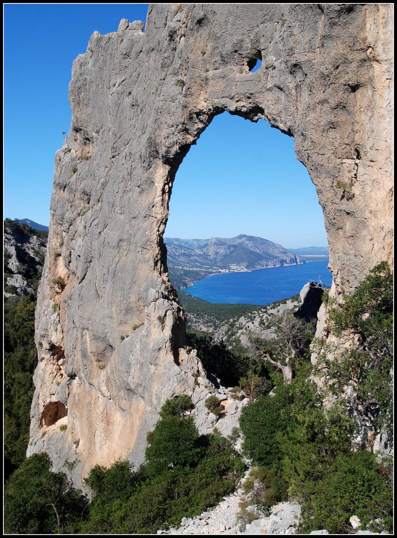 Loch im Fels