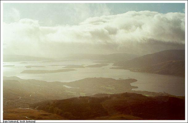 Loch Lomond bei Nebel