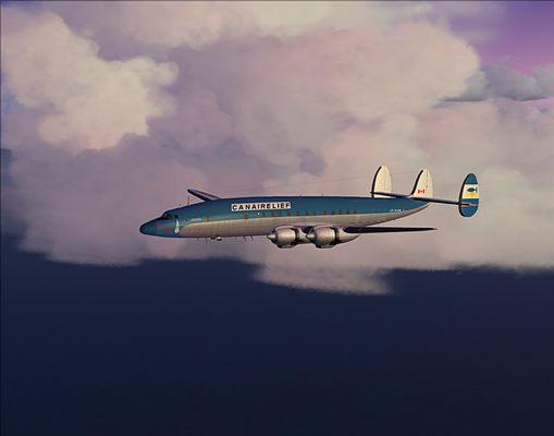Lockheed Super Constellation über der Bucht von Biafra bei Gewitterstimmung