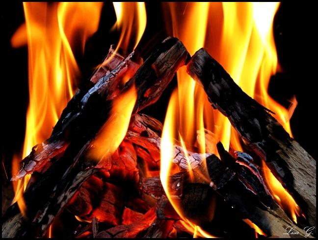Lodernde Flamme
