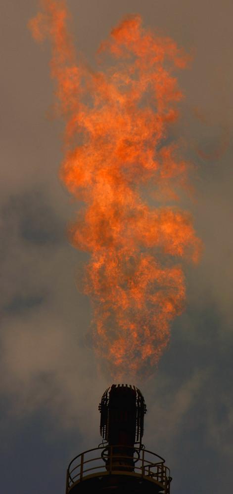 Lodernde Flammen..