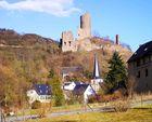 Löwenburg über Monreal