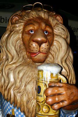 Löwenparade: Prost