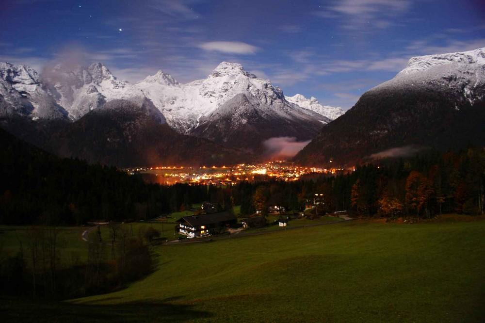 Loferer Steinberge bei Vollmondnacht vom Knappenstadl