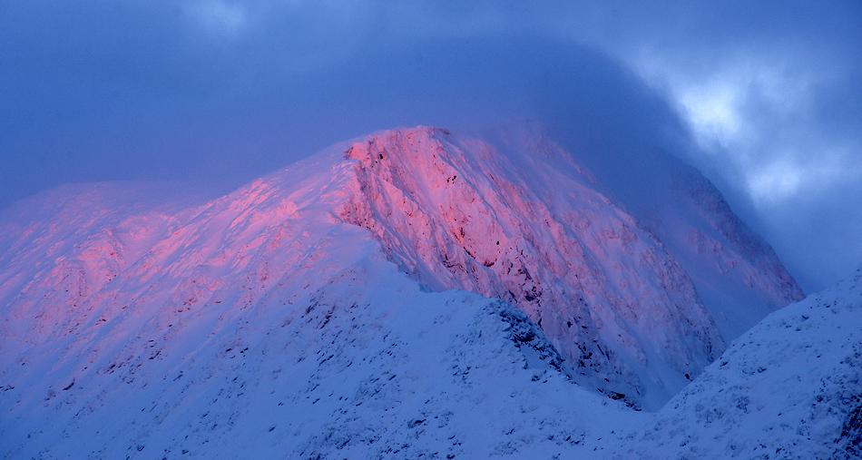 Lofoten im Winter – Letzter Lichtspot