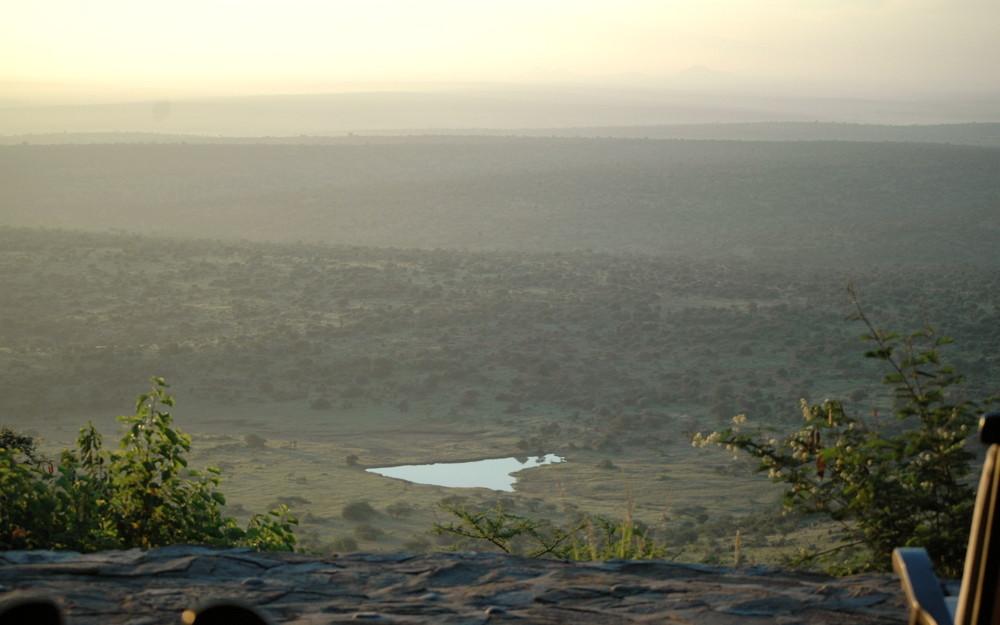 Loisaba: Blick aufs Wasserloch am Morgen