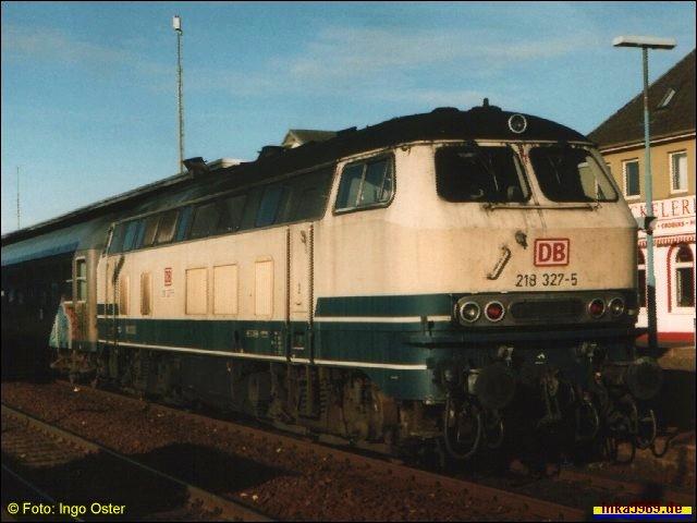 Lok 218 327-5 in Itzehoe