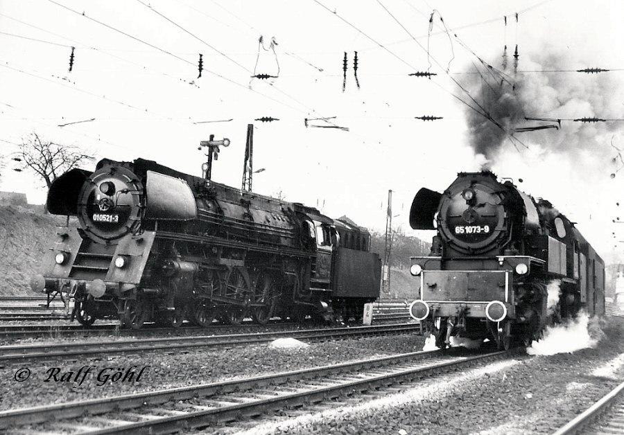 Loknummer und Baureihenwechsel in Camburg
