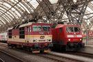 Lokwechsel im Dresdener Hbf - 371 auf 120... by Black-Eagle