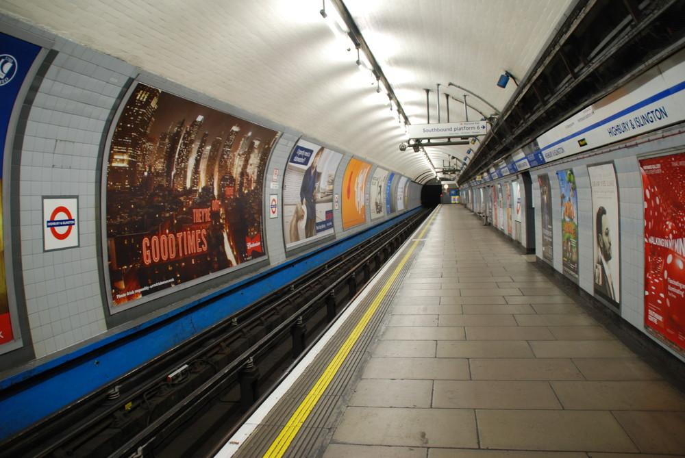 Londner Bahnsteig
