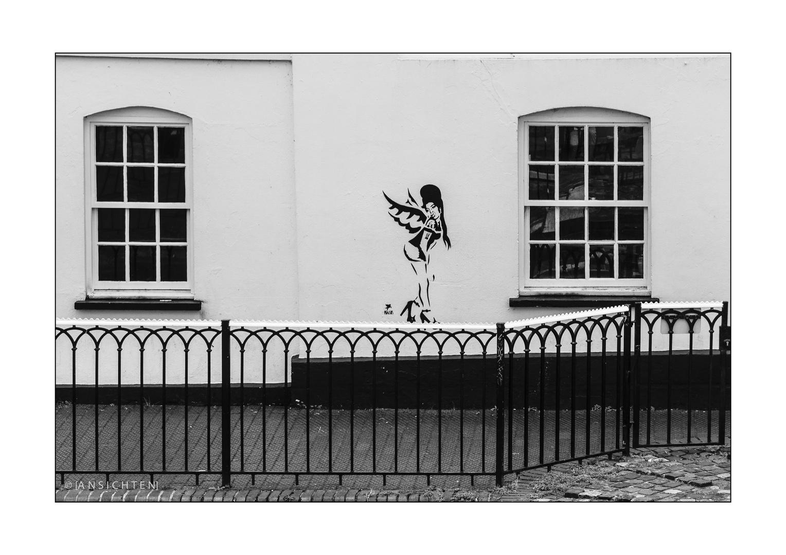 London 014 - Dancing AMY