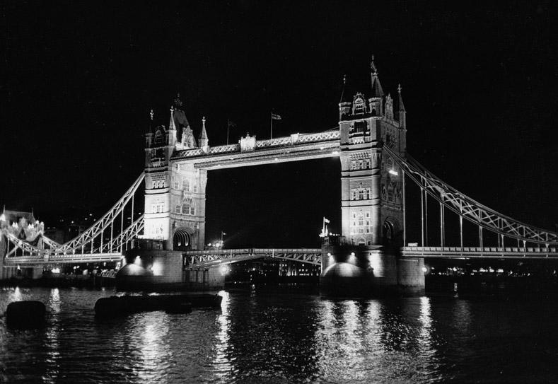 london - 2004 - tower bridge
