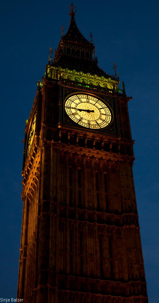 London - big ben clock tower