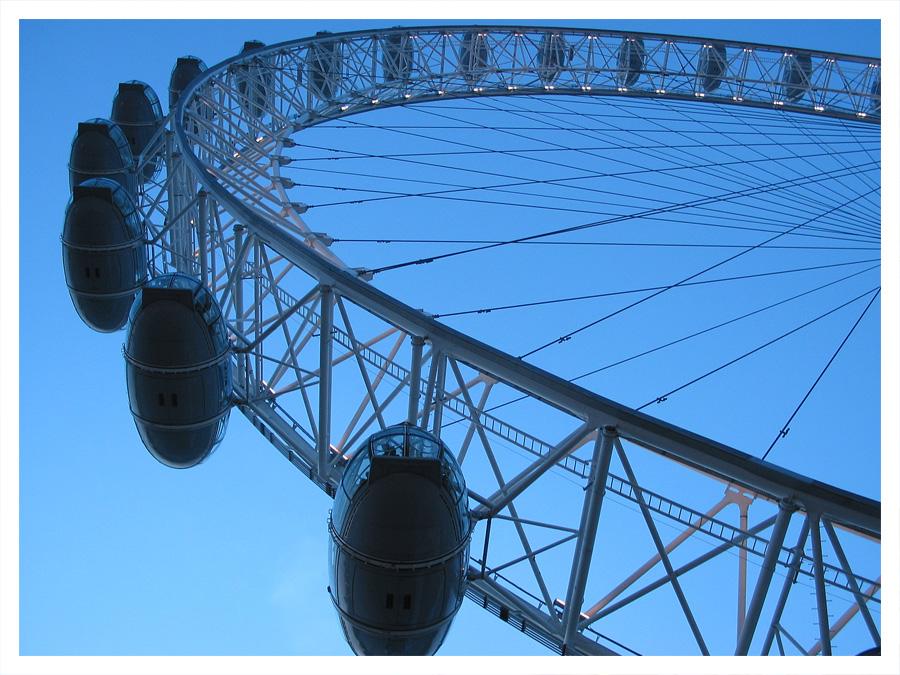 London - E Y E -