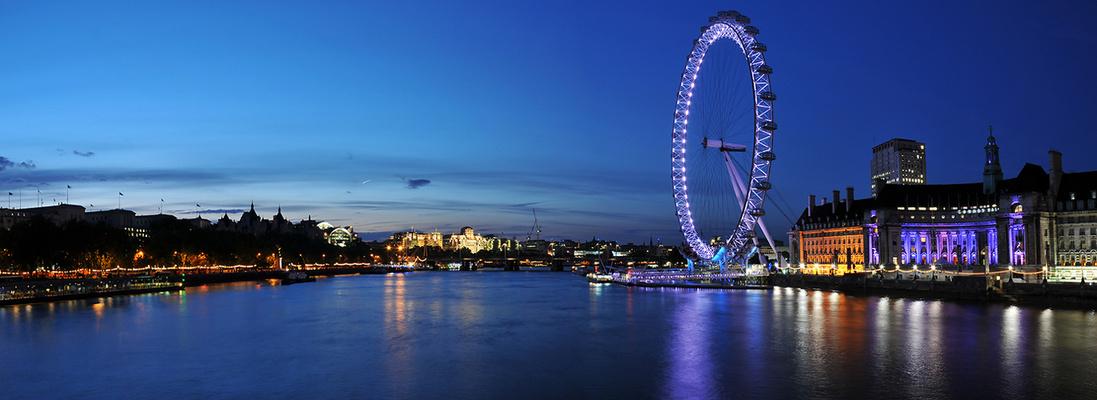 *London Eye*