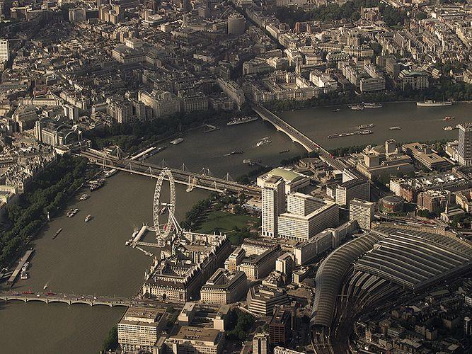 >London Eye & Waterloo Station