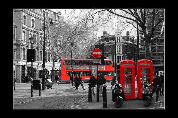 London in schwarz-weiss und rot (1)