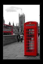 London in schwarz-weiss und rot (10)