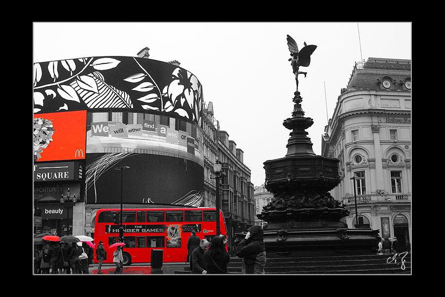London in schwarz-weiss und rot (2)
