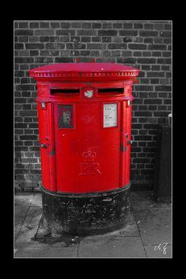London in schwarz-weiss und rot (6)