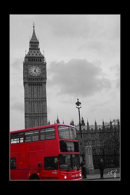 London in schwarz-weiss und rot (7)
