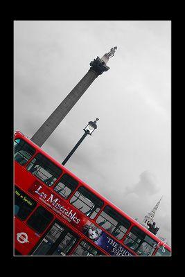 London in schwarz-weiss und rot (8)